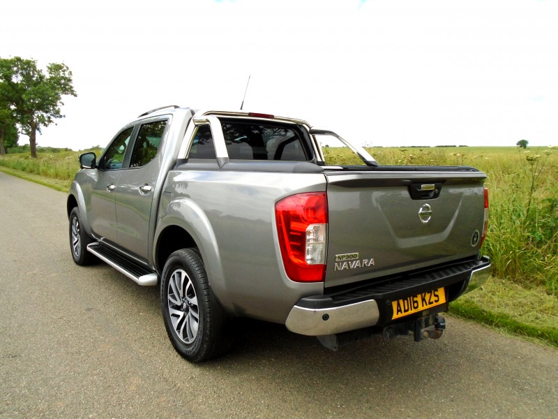 Nissan Navara 2.3 dCi Tekna Double Cab Pickup 4WD 4dr | Windmill Motors Ltd