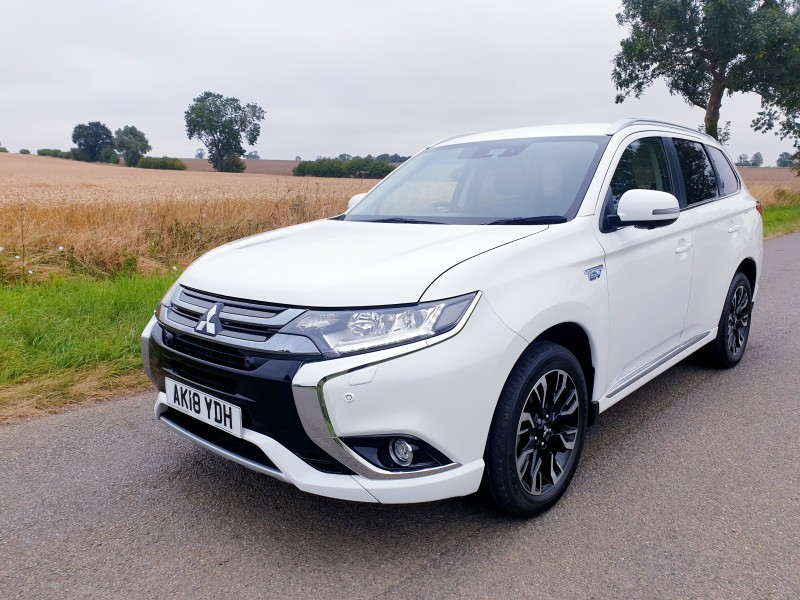 Mitsubishi Outlander 2.0h 12kWh 4hs CVT Automatic 4WD (s/s) 5dr SUV | Windmill Motors Ltd