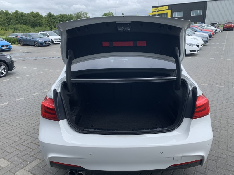 BMW 3 Series 330e M Sport 2L 4dr | Heartys of Peterborough