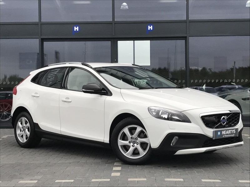 volvo v40 d2 cross country se nav 1 6l 5dr for sale at heartys of peterborough