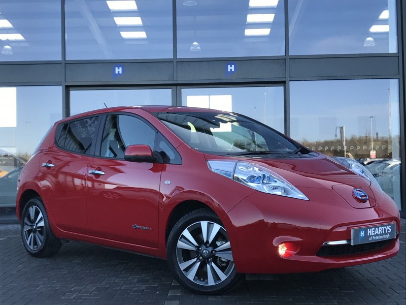 nissan leaf tekna 0l 5dr for sale at heartys of peterborough. Black Bedroom Furniture Sets. Home Design Ideas